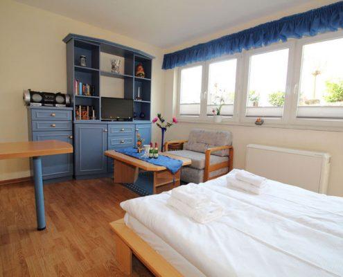 Rügen Villa Monika in Sassnitz Ferienwohnung 3 Wohn-/Schlafbereich