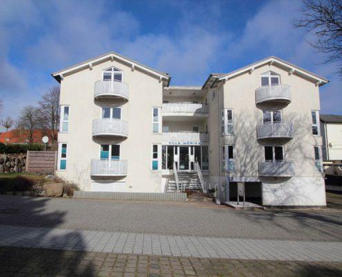 Rügen Ferienappartements Haus Frontansicht Villa Monika in Sassnitz